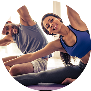 couple participates in yoga to relieve sciatic pain