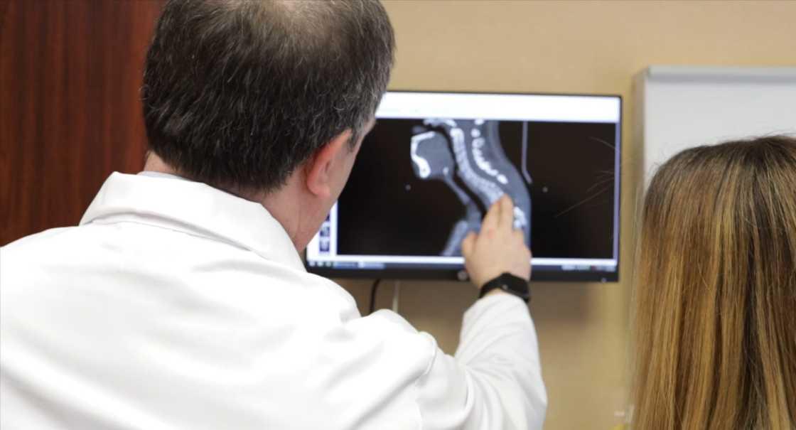 dr. lowenstein receives top doctor award